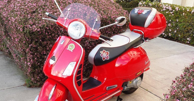 Vespa GTS Dragon Red Custom Seat Cover set