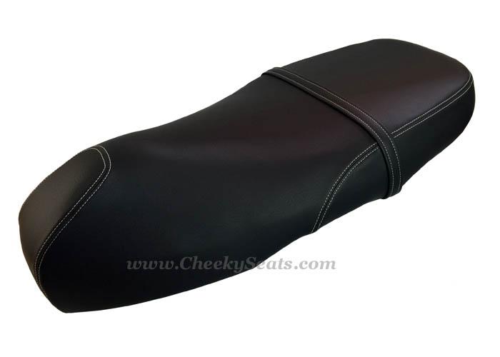 Piaggio Vespa GTS 300 seat cover black-white stitching