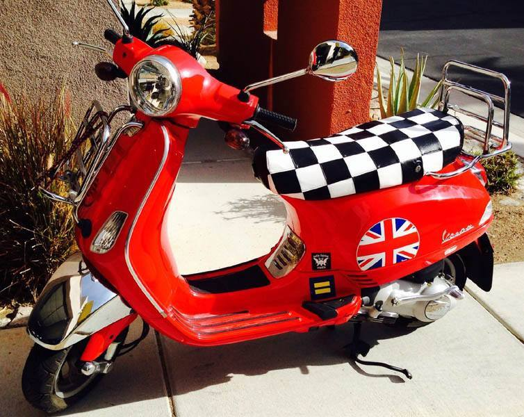 Black & White Racing Checks Mod Vespa LX Checkers seat covers
